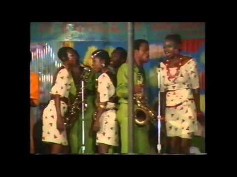 Fela Teacher Don't Teach Me Nonsense (live at the shrine 1987)