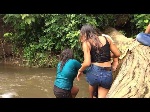 CHAPUZON EN ESTE RIO   Disfrutando entre amigos con las Chicas 2/2