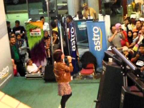 Adira Live show at The Mall,PWTC