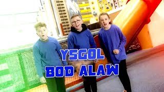 Paid Edrych Lawr - Ysgol Bod Alaw - Rhan 1 | Stwnsh Sadwrn | S4C