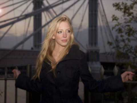 Lizzy Pattinson - Don't look back