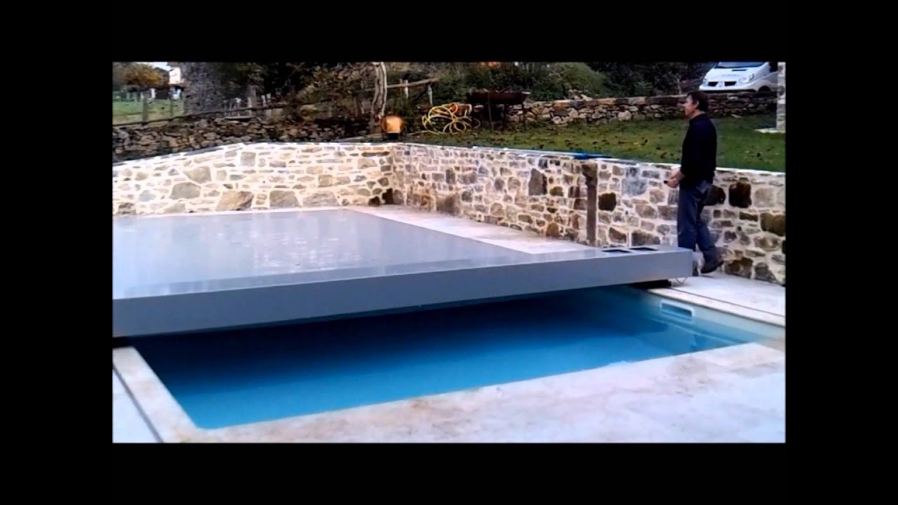 Couverture de s curit piscine coverseal youtube - Couverture securite piscine ...