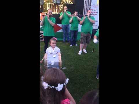 Wee Aoife showin' her Daddy how it's done !! Eire Nua - Boolavogue @  Bawnmore Fleadh