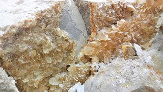 Mineralen zoeken in Carrière de la Sambre, België