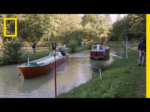 These Mini-Ships Teach Pilots How to Navigate Major Waterways | National Geographic
