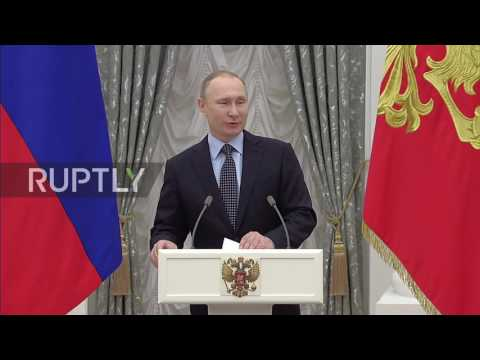 Russia: Putin awards Presidential Prize to young artists on eve of Day of Worker