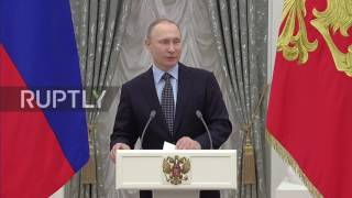 Russia: Putin awards Presidential Prize to young artists on eve of Day of Worker thumbnail