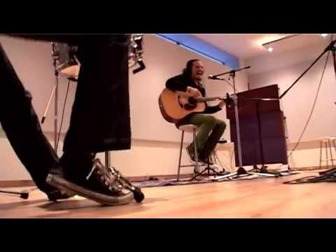 """Luz Verde """"En Llamas"""" (versión acústica)"""