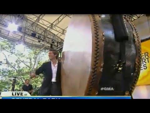 DAVID MUIR Cute Clips GMA 07.05.13