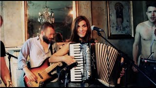 Molotov Jukebox - Get Ready (Temptations) [OFFICIAL VIDEO]