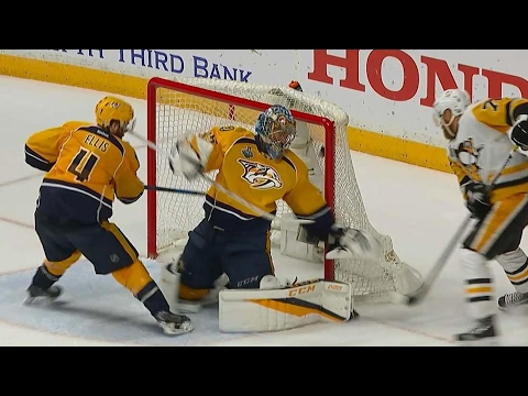 Hornqvist banks goal off Rinne to score late Stanley Cup winner