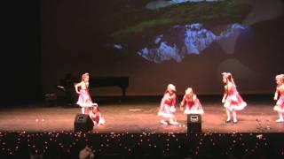 藏族群舞 - 2011滑铁卢UWCSSA春节晚会