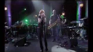 Portishead Live at La musicale (FRENCH TV) - 05 Magic Doors