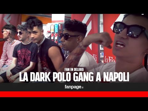 Dark Polo Gang, caramelle per i fan impazziti a Napoli: