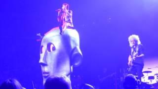 "Queen + Adam Lambert ""Killer Queen"" St.Paul,Mn 7/14/17 HD"