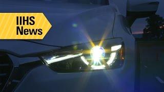 معهد IIHS: معظم المصابيح الأمامية في سيارات الكروس أوفر الصغيرة ضعيفة الإنارة