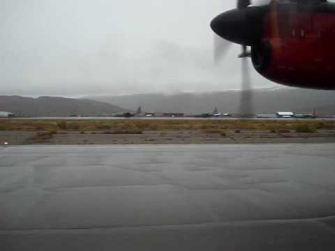 Air Greenland Dash 7 Landing At Kangerlussuaq