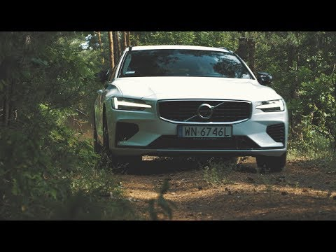 2020 Volvo V60 T8 R-Desing - the perfect sporty wagon. Drive, interior, exterior.