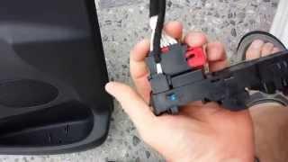 citroën DS3 vitre électrique qui bloque ou remonte par intermittence.