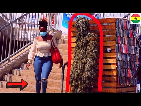 😂😂😂SHE CRIED BECAUSE OF THE FRIGHT! BUSHMAN PRANK #25 Funniest Reactions.