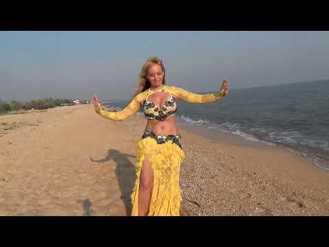 Алена Сергиев Посад  танец на море 2019