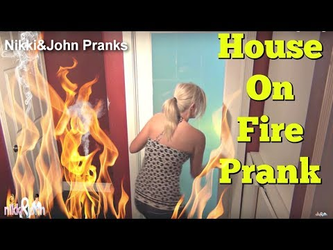 Epic Fog machine Prank On Girlfriend