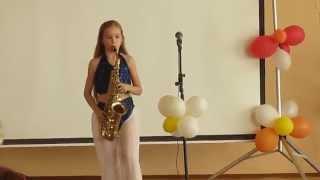 Видео №2/ Девочка играет на саксофоне/ Очарована, околдована/Ksenia Mali/