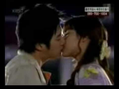 gaya berciuman Orang korea,,,  Dahsyat bgt