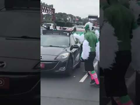 Rach On The Radio - Eagles Fans FLOCK Vikings Fan...Literally [VIDEO]