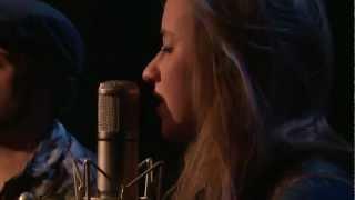 Anna Kaenzig - Vespa (Live at Music Apartment)