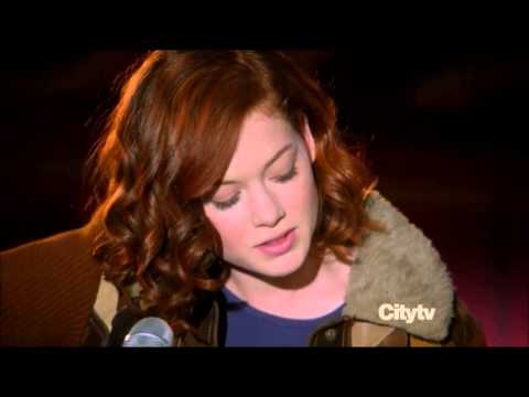 Jane Levy (Tessa) singing the Suburgatory theme