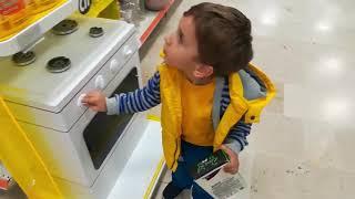 Gambar cover BUĞRA ALP e boyama kitabı aldık ve markette eğlenceli alışveriş keyfi