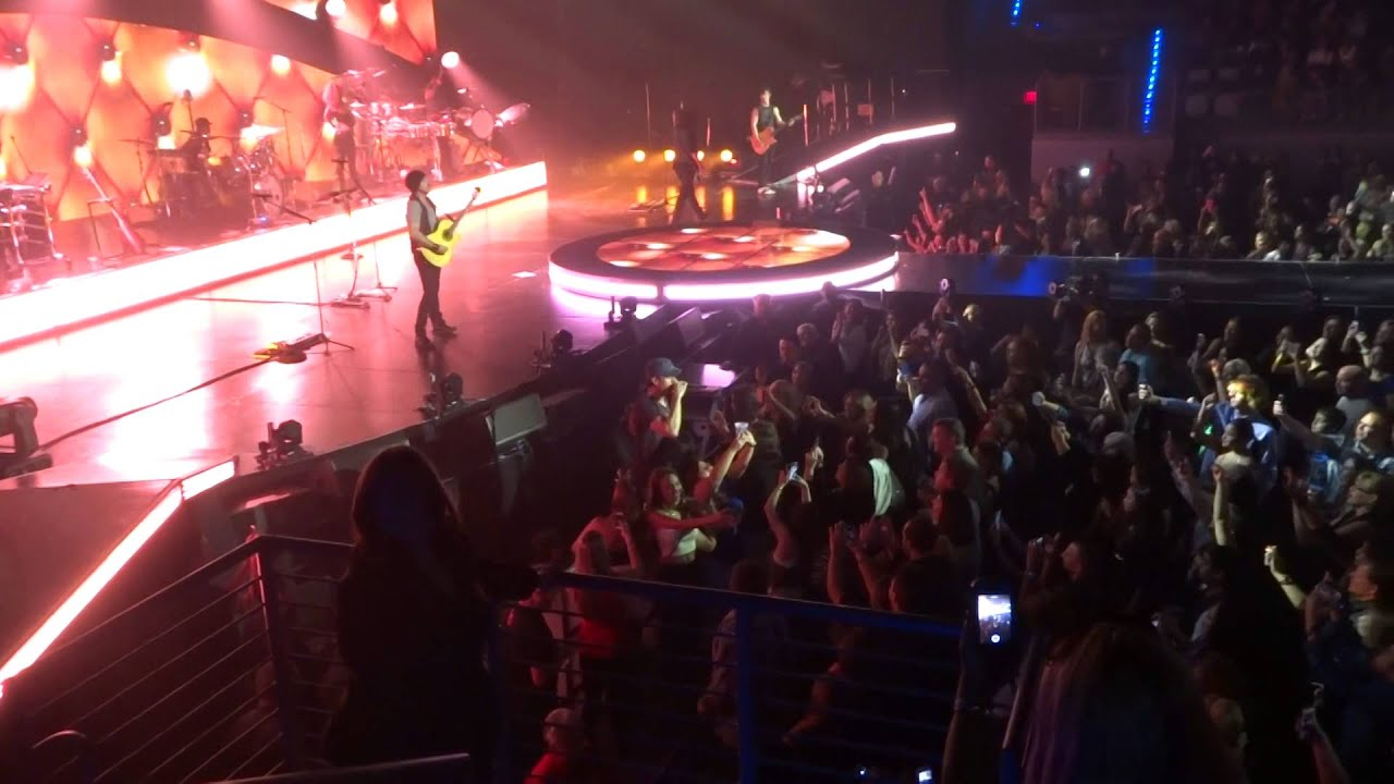 Enrique iglesias at hard rock live hollywood florida oct 25 2014