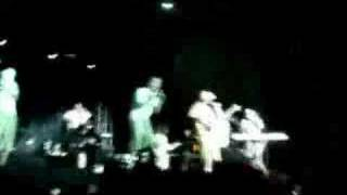 Play Anoche No Dormi (feat. Howard Greenfield)