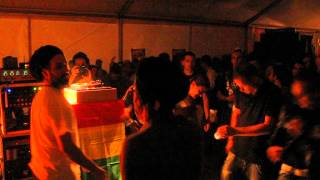 Salomon Heritage feat Murray Man come inna di dancehall at Massive Corner!!!