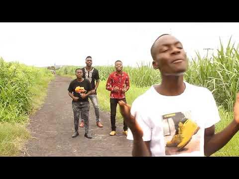 bro-moses-ft-rings-*-nabwelela-kuli-(official-music-video)-lesa-zambian-latest-gospel-video-2021
