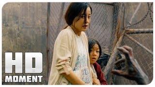 Суёнг и Су Ан добрались до военных - Поезд в Пусан (2016) - Момент из фильма