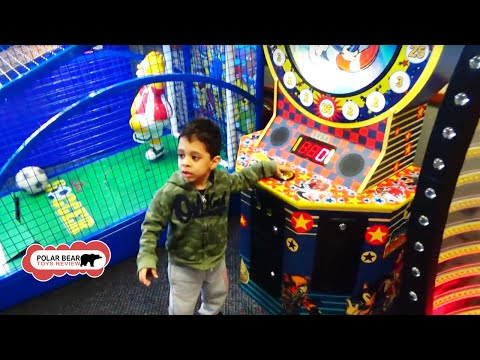 Chuck e cheese spinning wheel and soccer game Canada - fun  for kids