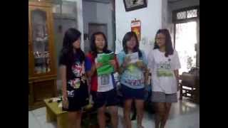 Ms. lenty english class (tenses) evelynne,diana o,rika,maria erika XB