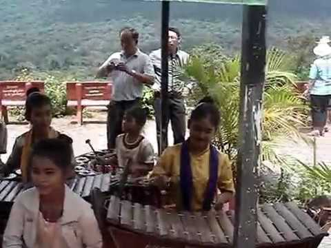 Traditional Music - Gong Circle Chimes - Pich Nil Cambodia