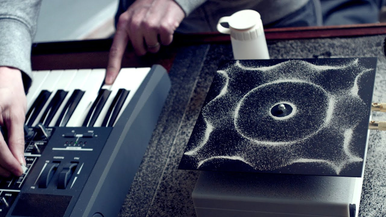 Cymatics: Chladni Plate - Sound, Vibration and Sand