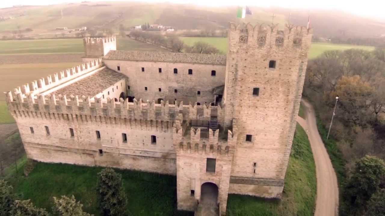 Castello della rancia tolentino mc youtube for Castello come piani di casa