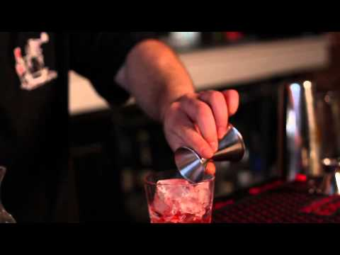 How To Make A Coconut Drink With Vodka : Party Drinks