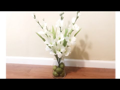 How to Create a Floral Arrangement Using Faux Flowers From The Dollar Tree|| Fresh Home Decor ||