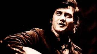 Watch Phil Ochs Draft Dodger Rag video