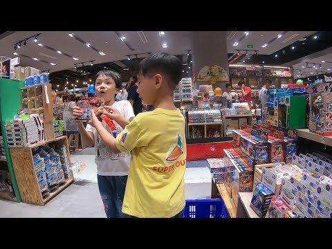 RIO tìm mua đồ chơi ở nhà sách ★ Find and buy toys at the book store