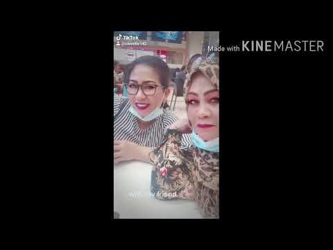 dubai mall with long friends