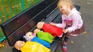 Эльвира и веселые истории про куклы на детской площадка Учим цвета на английском