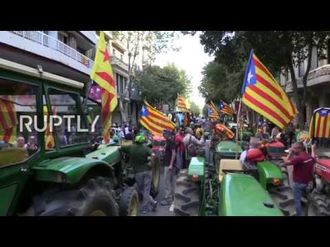 LIVE: Farmers rally in support of Catalan referendum