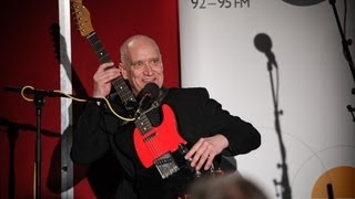 Left-handed Wilko Johnson talks about learning to play guitar right...